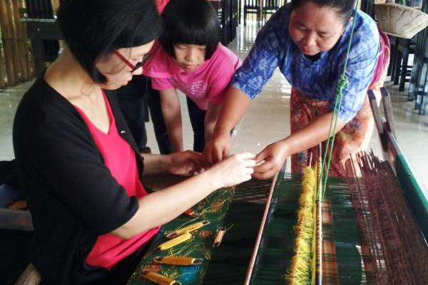 handweaving sarong